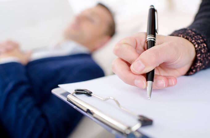 Ved du, hvad der kan afhjælpes med hypnoterapi? Kan alle blive hypnotiseret?